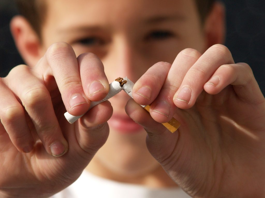 Plainfield IL Dentist | Tobacco & Your Teeth: The Risks of Chewing and Smoking